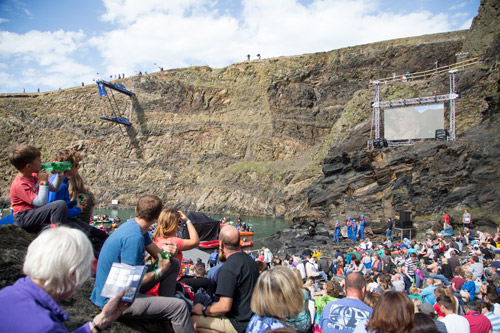the platform screen and crowd Red bull cliff diving world series blue lagoon pembrokshire