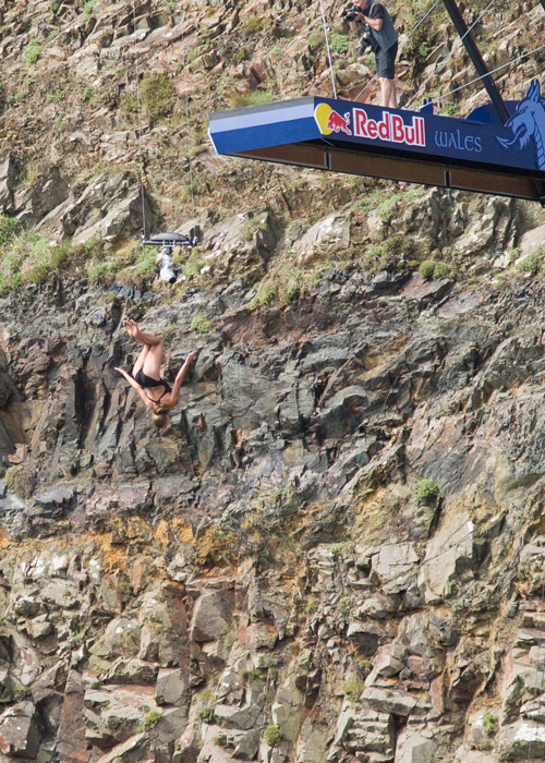womens diving Red bull cliff diving world series blue lagoon pembrokshire