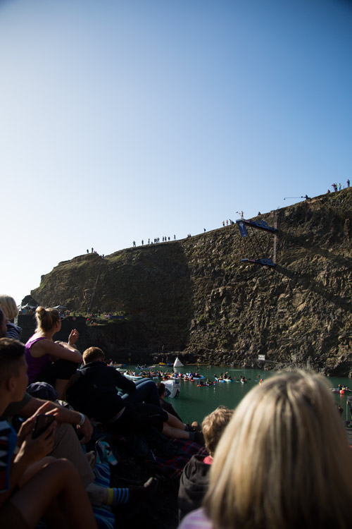 Red bull cliff diving world series blue lagoon pembrokshire