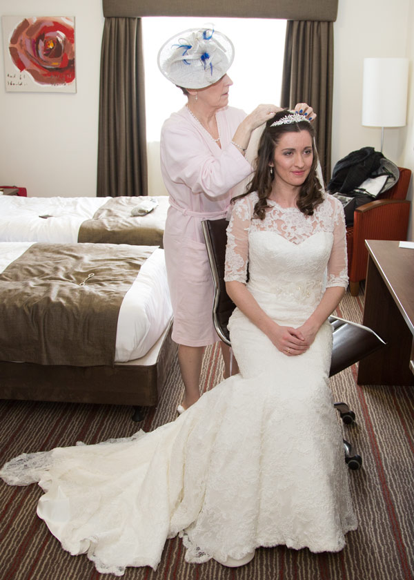 mother of the bride fixing veil holiday inn barnsley