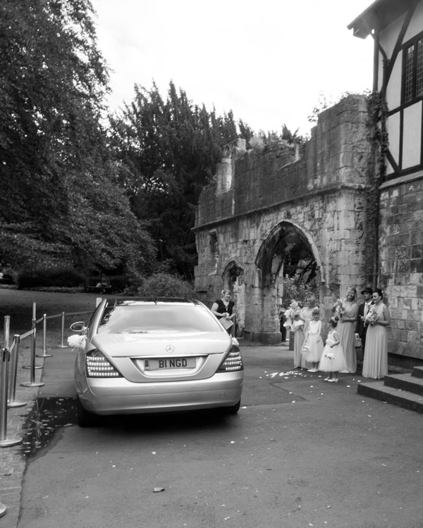wedding car pulling up to the hospitium york