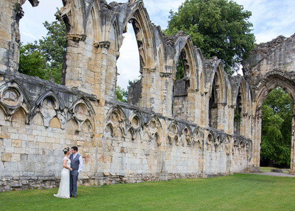 newlyweds in the york museum grounds