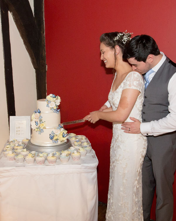 cutting the wedding cake york hospitium