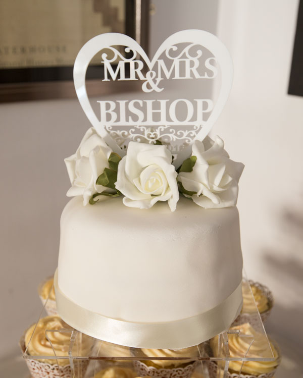 Mr & Mrs cake topper in love heart white bear penistone