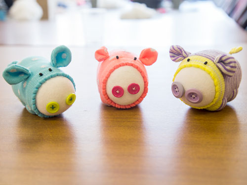 sock pig workshop LMB crafts finished pigs