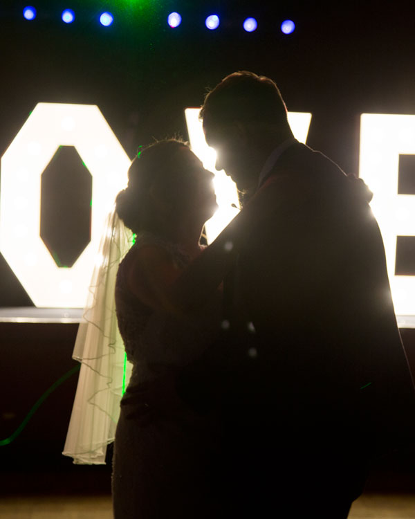 the first dance scarletts bar holiday inn barnsley photographer