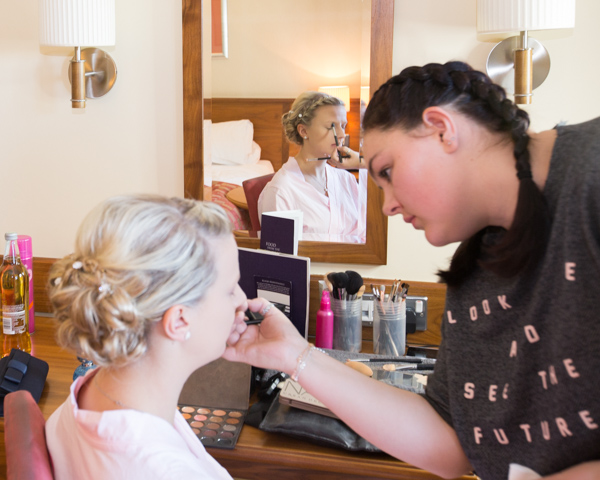 Eleanor Moxon MUA doing bridesmaids makeup at Tankersley Manor