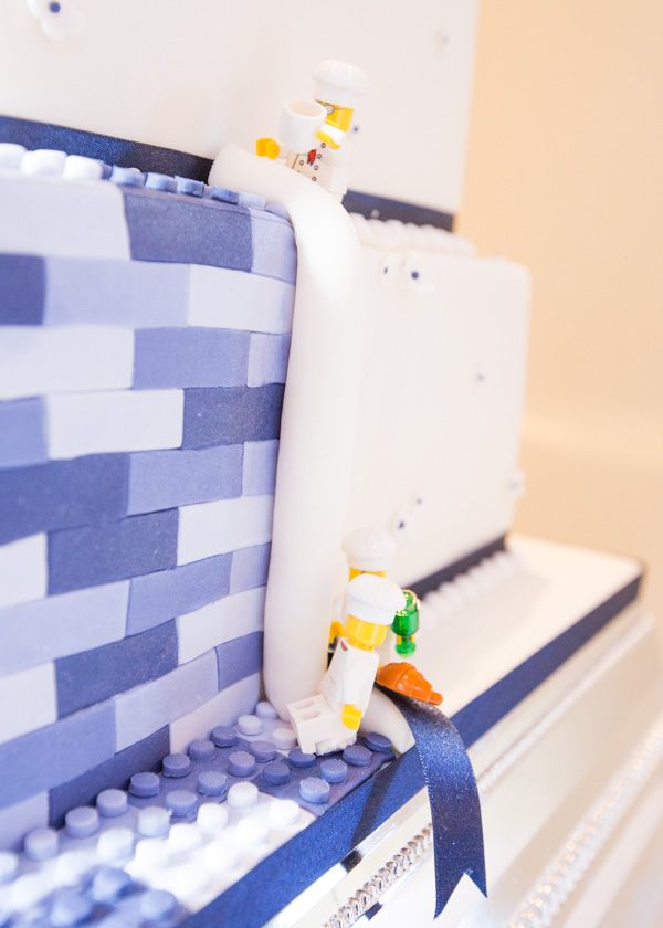 Lego wedding cake detail