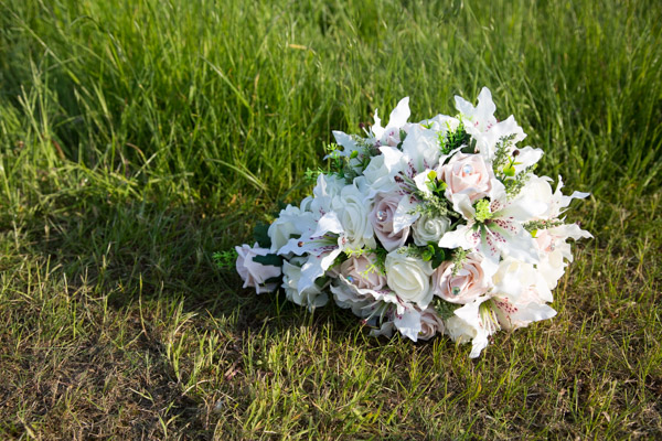 rides bouquet with pink roses and diamante centres