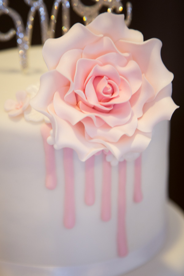 Cake detail sugar flower