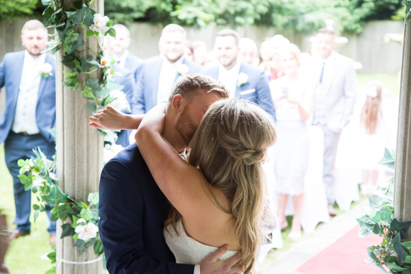 THe first kiss at Holiday Inn Barnsley Outdoor ceremony